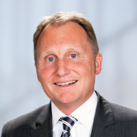 Bild 1. Bürgermeister Falk Sluyterman van Langeweyde