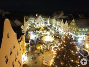 Weihnachtsmarkt Luftaufnahme mit Ballenhaus